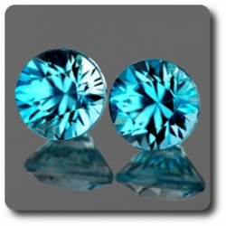 0.76 cts LOT DE 2 ZIRCON BLEU . IF Cambodge