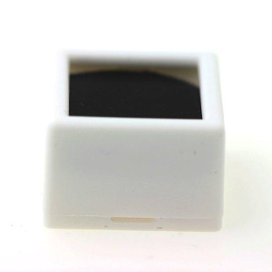 Boîtes pour pierres gemmes 27x27 mm Boîtes blanches mousse réversible noir ou blanc