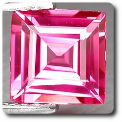 1.80 cts  SAPHIR ROSE . IF Madagascar