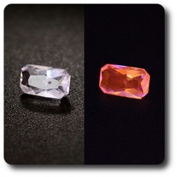 0.17 cts HACKMANITE UV COULEUR CHANGEANTE. VS Pakistan