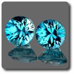 0.73 cts LOT DE 2 ZIRCON BLEU . IF Cambodge