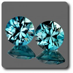 0.74 cts LOT DE 2 ZIRCON BLEU . IF Cambodge