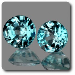 0.67 cts LOT DE 2 ZIRCON BLEU . IF Cambodge