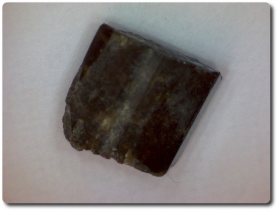4.3 carats CRISTAL D'EPIDOTE Birmanie