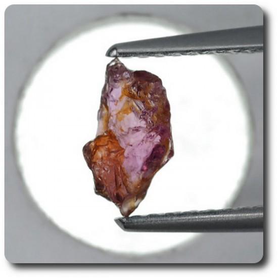 0.83 carats CRISTAL DE SAPHIR Madagascar