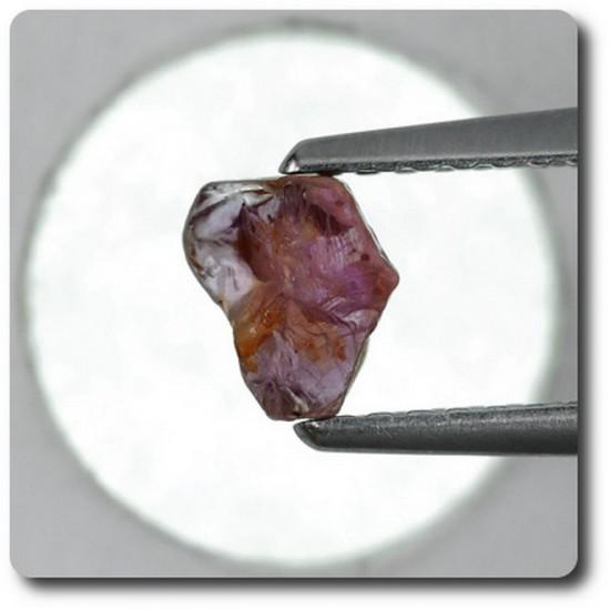 0.92 carats CRISTAL DE SAPHIR Madagascar