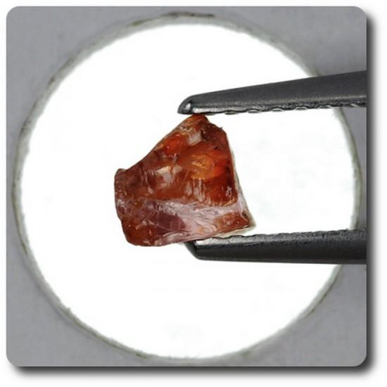 0.79 carats CRISTAL DE SAPHIR Madagascar