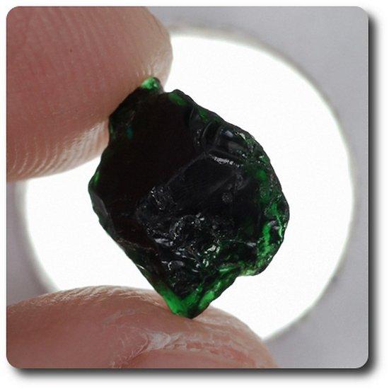 3.56 carats CRISTAL DE TOURMALINE CHROME Madagascar