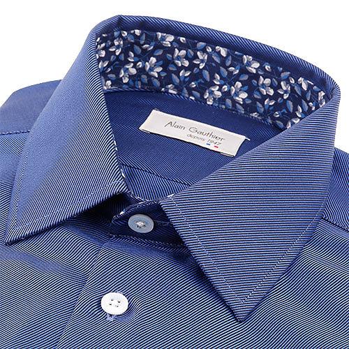 Twill bleu à oppositions fleur onirique