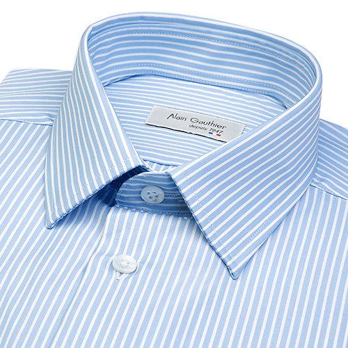 Chemise bleue à petites rayures blanches