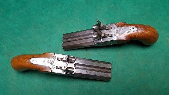 Paire de pistolets a percussion a double canon
