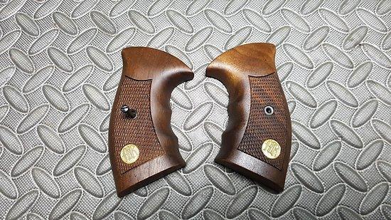 Plaquettes revolver MANURHIN MR73 etc