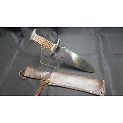 Imposant poignard de chasse