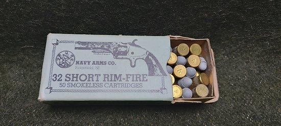 Boite de cartouches 32 short rim-fire