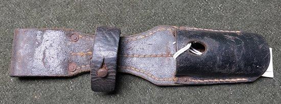 Gousset / porte fourreau 1 er type baïonnette Allemande Mauser 98K