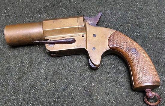 Pistolet lance fusée français 1917 Grivolat