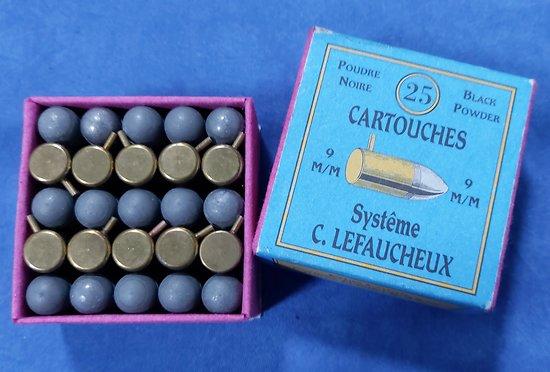 Boite de munitions 9mm a broches
