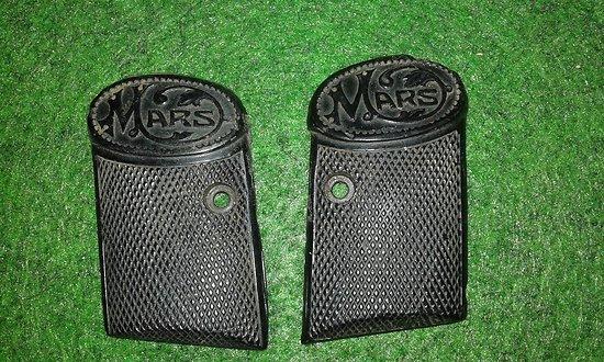 plaquettes / grips pistolet MARS