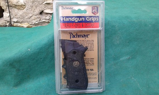 plaquettes / grips PACHMAYR TAURUS PT 92 decocker