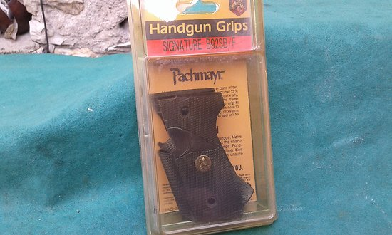plaquettes / grips PACHMAYR signature pistolet beretta 92F & SB
