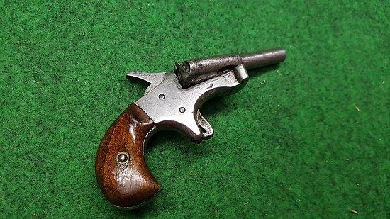 Pistolet flobert type cycliste avec jecteur cat d2 for Pistolet 6mm bosquette