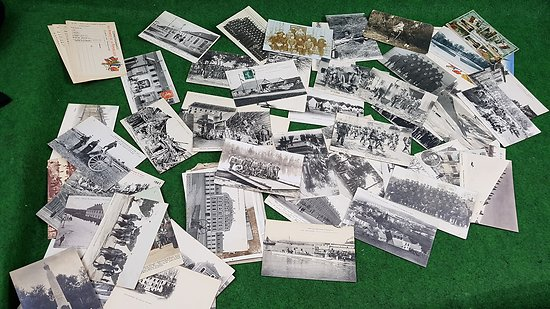 Lot de plus de 80 cartes postales militaires