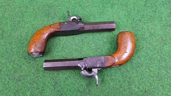 Paire de pistolets a balle forcée