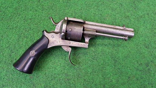 Revolver système Lefaucheux carcasse fermée 7mm a broche