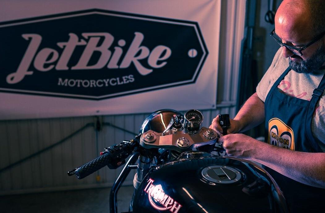 jetbike-moi.jpg