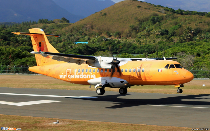 maquette-atr42-air-caledonie-model-scale.jpg