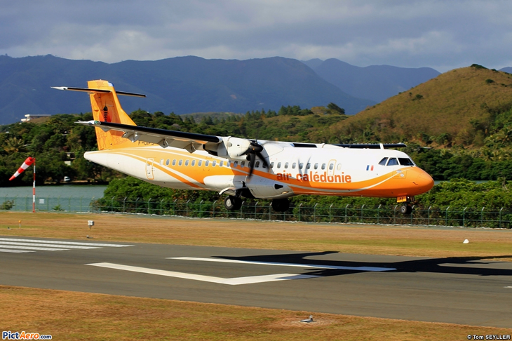 maquette-atr72-air-caledonie-model-scale.jpg