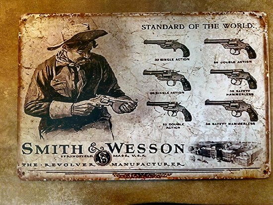 PLAQUE METAL SMITH ET WESSON STANDARD OF WORLD