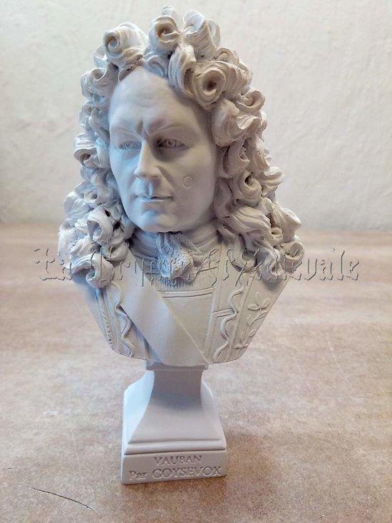 Buste du Maréchal Vauban par Coysevox (copy)