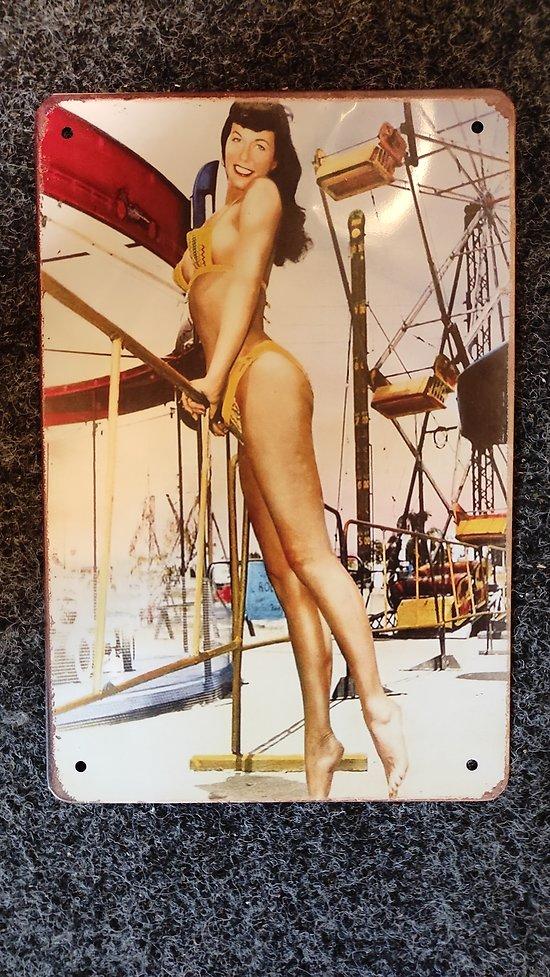 PLAQUE VINTAGE BETTIE PAGE FETE FORAINE DE TORONTO 1954