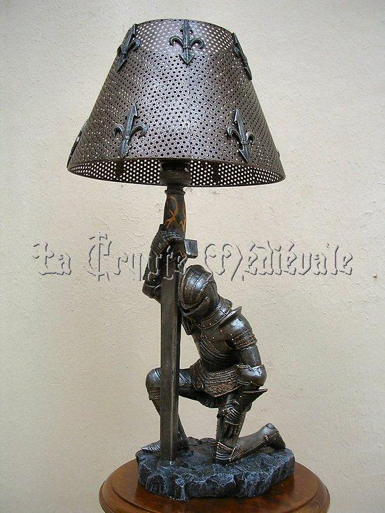 Lampe chevalier for Lampe de chevet chevalier