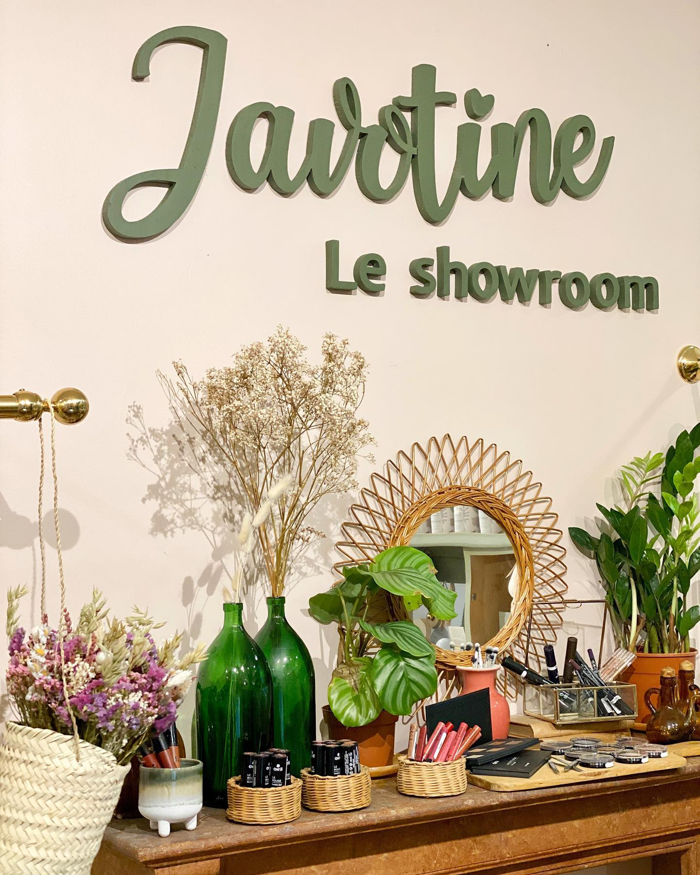 javotine_le_showroom_3.jpg