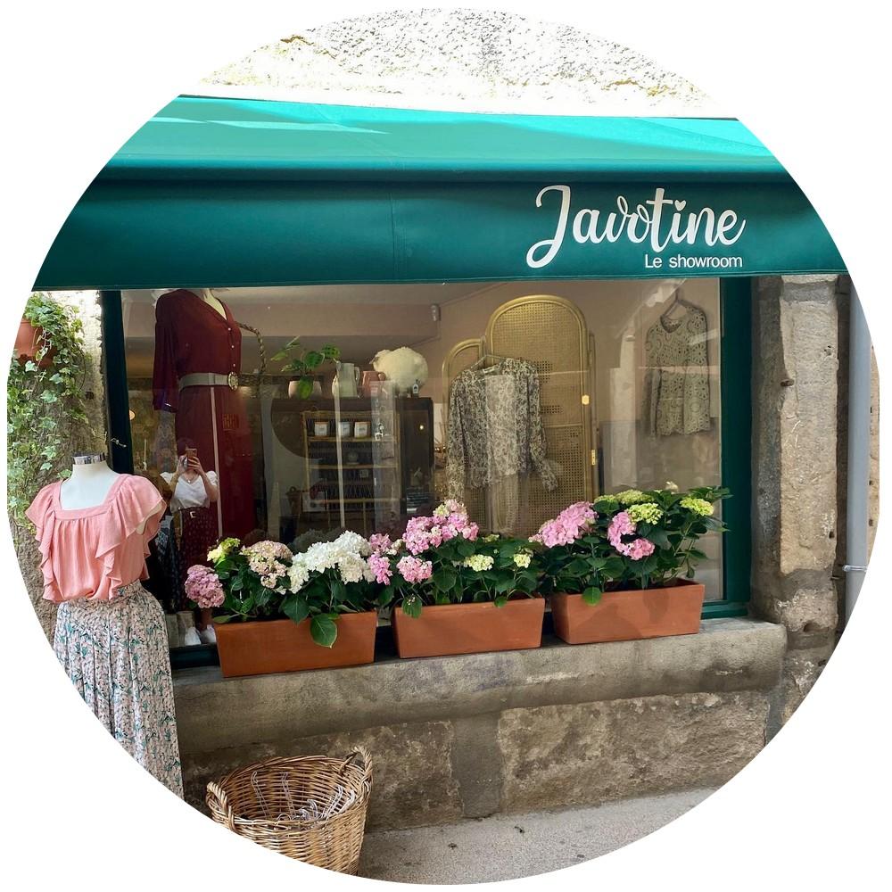 javotine_le_showroom_devanture.jpg