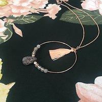 Sigrid - Sautoir fantaisie anneau + pompon // Saumon