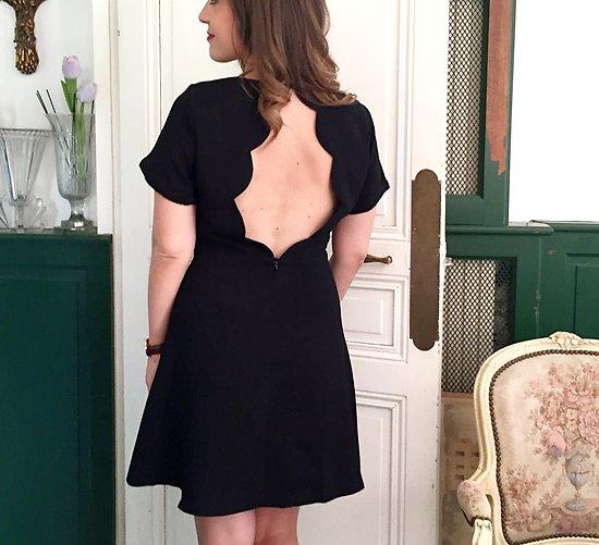 | GABY | - Robe dos ouvert festonné // Noir
