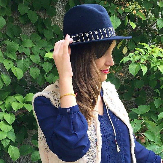 | ARROW | - Chapeau laine ruban flèches // Marine