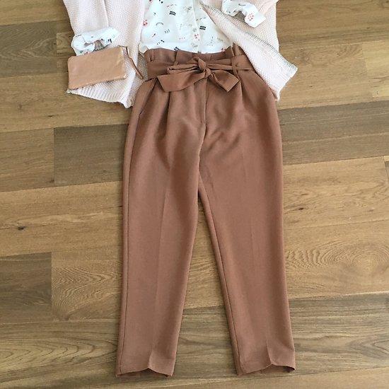 | LISENN | - Pantalon chino nœud // Camel