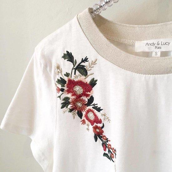 | FANTINE | - T-shirt broderie fleurie // Écru