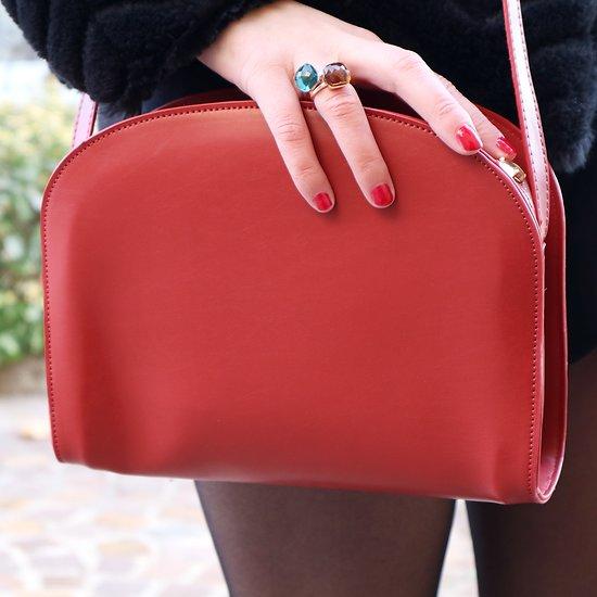   RUTH   - Sac bandoulière arrondi // Rouge