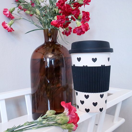 | ARIELLE | - Travel mug girly en bambou // Cœurs noirs