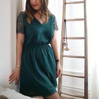 | INÈS | - Robe chic dentelle & joli dos // Vert