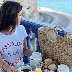 | AMOUR A LA FRANCAISE | - Tshirt