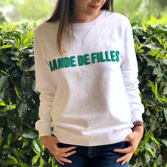 | BANDE DE FILLES | - Sweat brodé // Blanc & vert