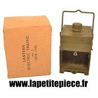 Lampe electrique Anglaise Deuxième Guerre Mondiale. GW UK WW2. LANTERN ELECTRIC TRAFFIC N°2