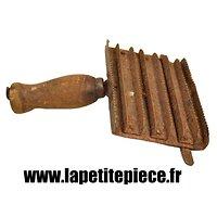 Etrille / brosse pour chevaux, Cavalerie Première Guerre Mondiale. France WW1