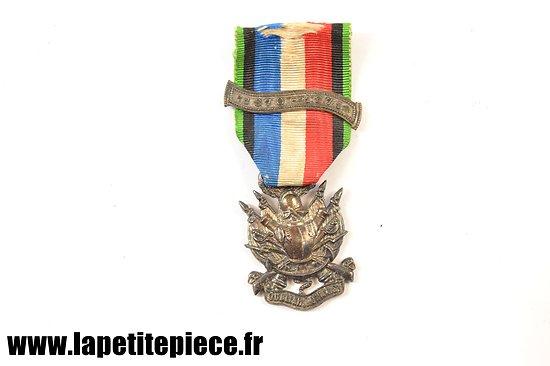 Médaille des vétérans de la Guerre 1870 - 1871 - Oublier Jamais - barette